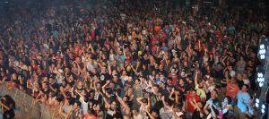 publico gente concierto