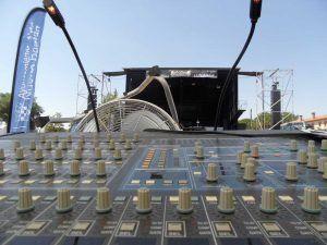 escenario, mesa mezclas, Festival